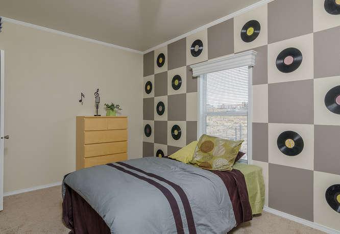 K1676H Blackline-small-018-Bedroom 3-666×459-72dpi