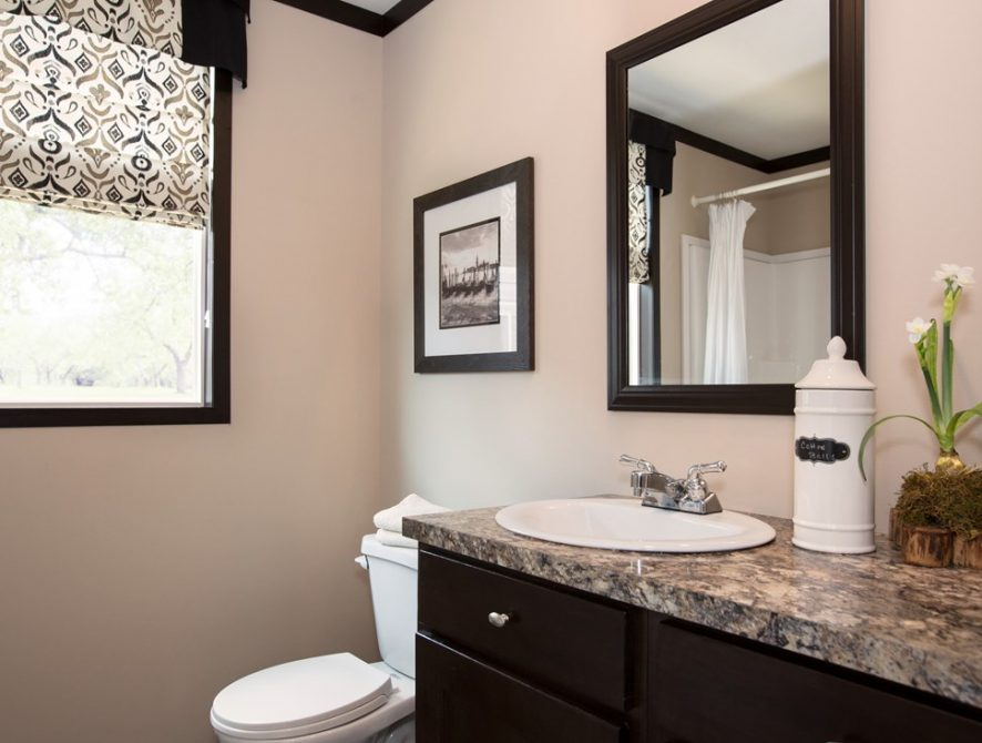 Manufactured-THE-PATRIOT-HOME-25PAT28563AH-Guest-Bathroom-20160609-1013163304897